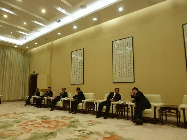 maria+yvonne+pugliese+autorita+cinesi+inaugurazione+biennale+urumqi